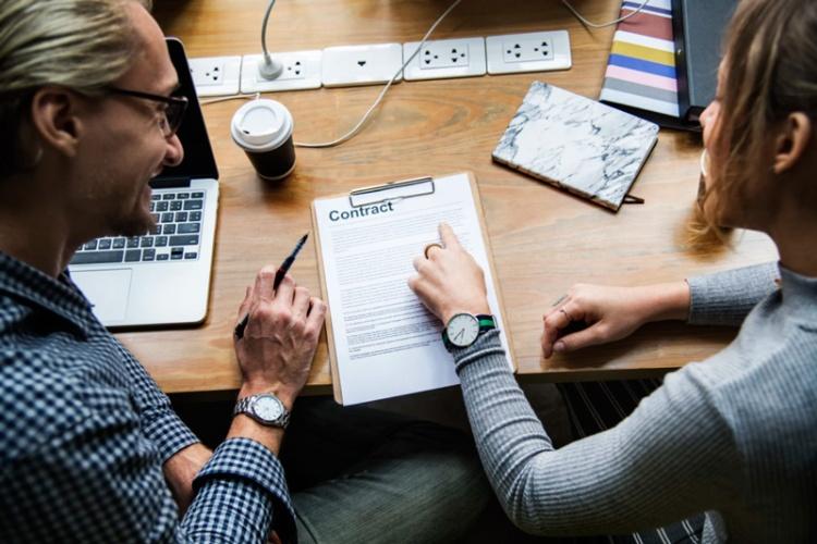 Establecer un Contrato por tu Propia Cuenta